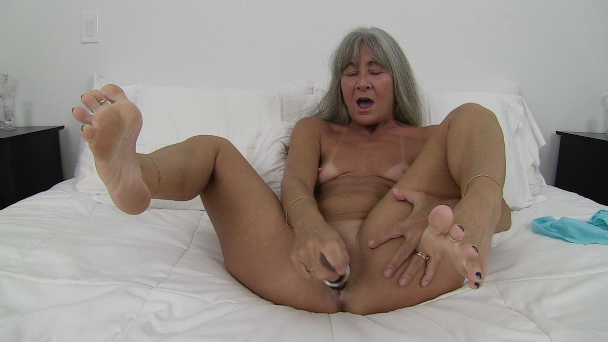 Homemade hotel suck, squirt, and fuck