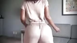 Big booty twerking