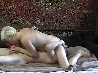 The Joy of oral sex with a mature woman