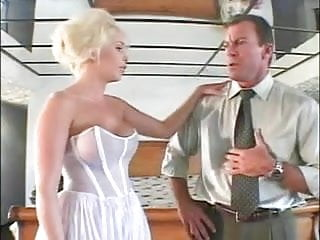 Sexy blond gets her cunt rammed