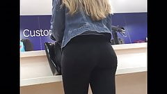 Perfect Teen Ass Jeans shopping waiting in Line