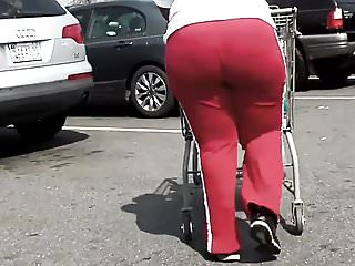 BBW BOOTY GILF IN TIGHT RED YOGA PANTS CANDID