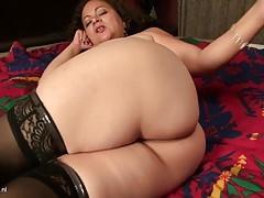 Mature booty mother needs a good fuck