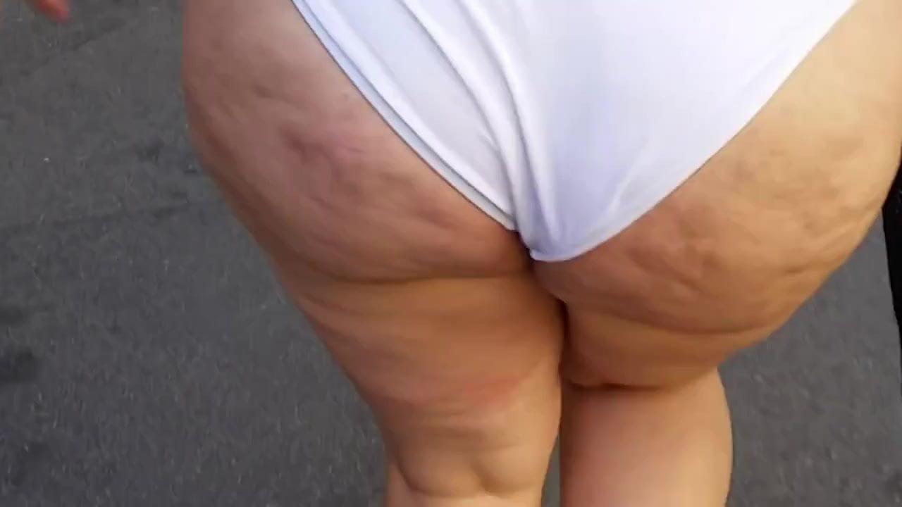 BBW Bikini Walking Cellulite