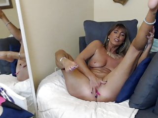 Mommy And Wife Finger Fucks Herself In Couch