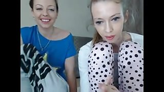Two camgirls play