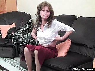 Hairy pussy pictres - Granny with saggy tits and hairy pussy masturbates