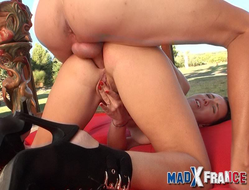 Messalina se fait casser le cul par la grosse bite de rick - 2 part 10
