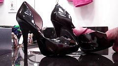Patent Leather Open-Toe Pumps Get Pumped 1