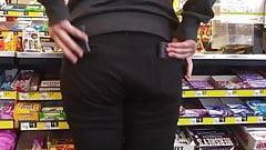 Teen ass black jeans