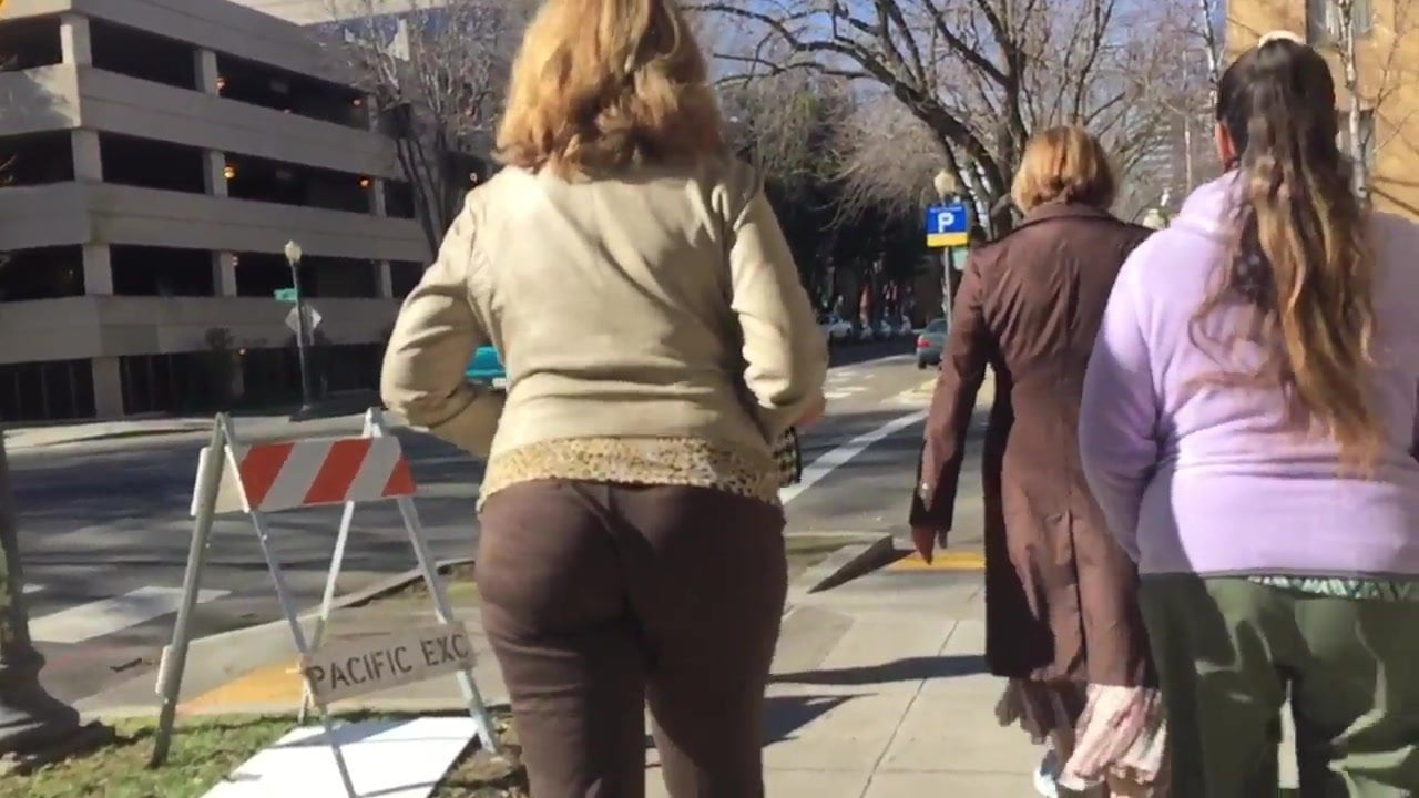 Tall Blonde MILF (lunch break walk) 3