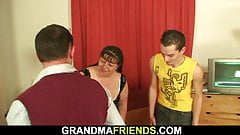 Two buddy fuck chubby old woman from both sides