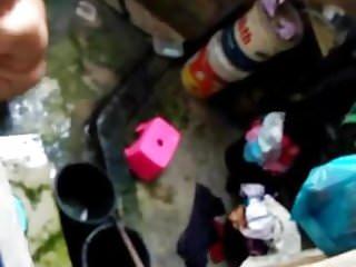 Download video bokep ngintip cewek kampung mandi Mp4 terbaru
