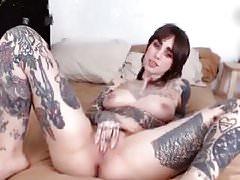 extrem tattooed american cam-slut