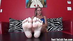 I know you are crazy about my sexy little feet's Thumb