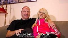 Blondes Paar fickt zuhause