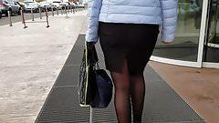 Fatty ass in black skirt
