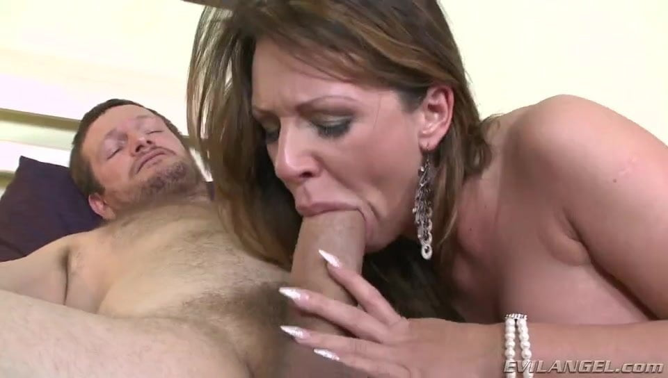 Milf gets her sexy asshole stretched and cock drilled