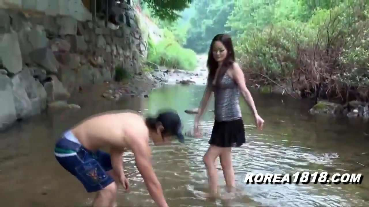 Japanese Girls excite Man to prematurely Ejaculate
