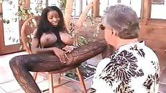 Classic Mistress Vanessa Facesitting