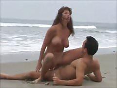 Hot mom fucked on the ebeach