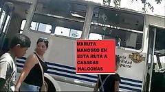 CRONICA MILF NALGONA PARADA BUS METIENDOLE LOS DEDOS CULO 1