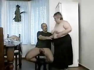 Oma erwischt Opa beim wichsen