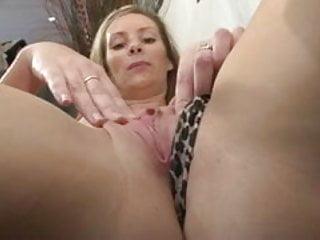 Une debutante francaise se fait defoncer le cul
