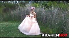 Krakenhot - Public BDSM with a Hard Bride