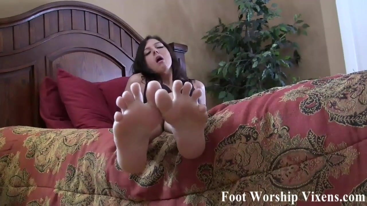 My size 10 feet will make you cum quick