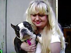 Mega Hangers - Goldilocks showing off her 3 BIG puppies!