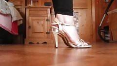 Sexy mature feet...
