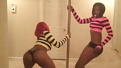 2 Fine ass black girls shaking big asses dancing shake booty