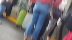 Cute teen nice ass in jeans