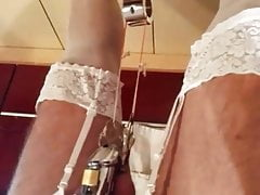 2017-08-25 Clamp with weight on sack swinging 1.mp4