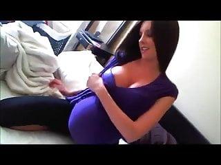 Pregnant solo 066