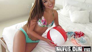 Mofos - Latina Sex Tapes - Zoey Foxx - Zoeys Vacation Sex Ta
