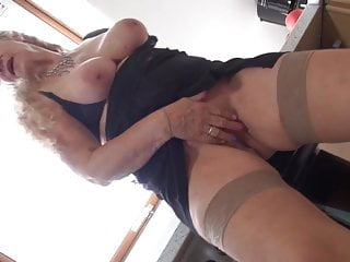 Super granny with big tits and hungry cunt