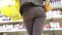 Hot tight ass in supermarket