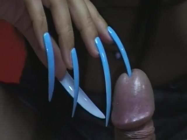 позже, видео порно с ногтями как огромные