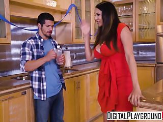 Download video bokep DigitalPlayground - My Girlfriends Hot Mom - Missy Martinez  Mp4 terbaru