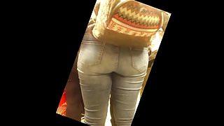 Una flaquita y ptra culona en Jeans