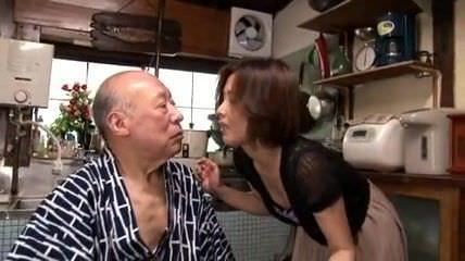 <熟女動画>桐岡さつき