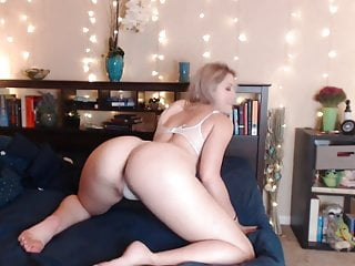 Sexy Funny Girl Shaking Her Ass