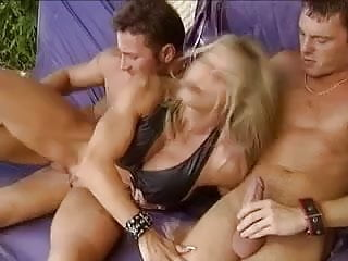 BBF MILF BODYBUILDER MUSCLED DP & DOUBLE VAGINAL(WheelSex)