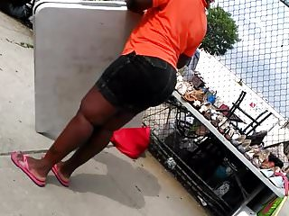 THICK phat ass Jamaican. Pt.4 I wanna fuck her.