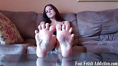 Pamper my perfect size 10 feet