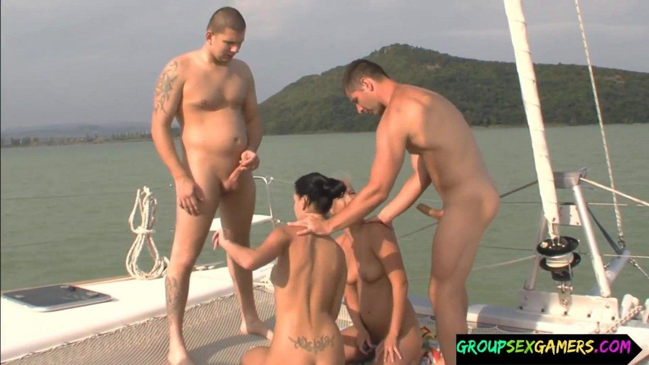 Free download & watch babes sucking cock during sexgame          porn movies