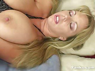 Yanks MILF Amber Lynn Bach Masturbates