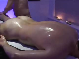 MEN NUDE MASSAGE